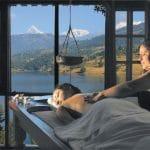 Klosterreisen Yoga Meditation Ayurveda im Nepal Begnas Lake Resort ayurvedische Massage