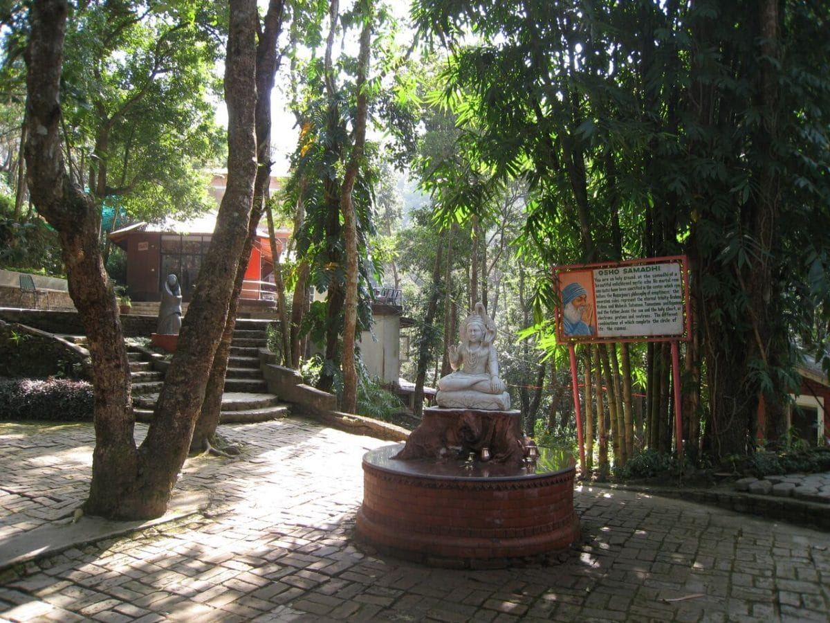 Retreat im Osho Meditation Center, Nepal