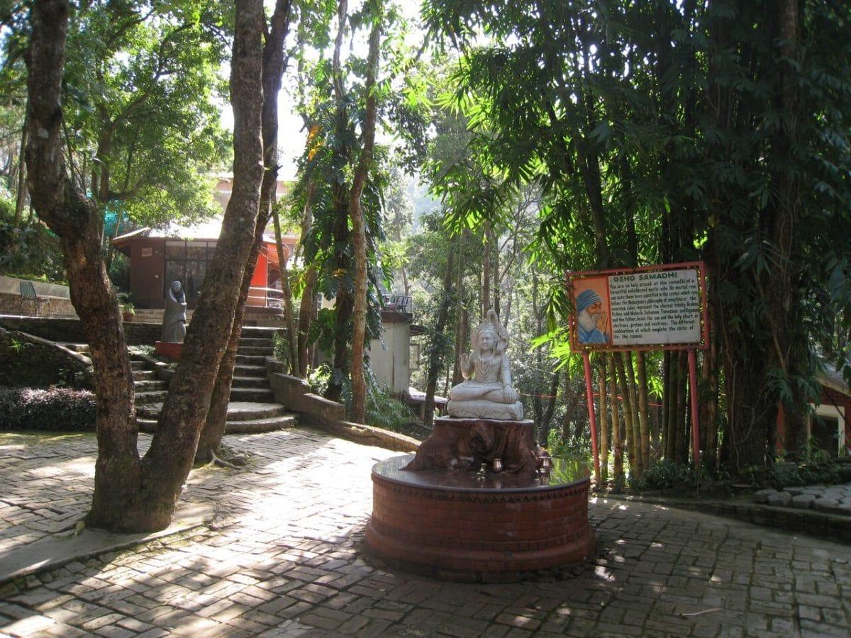 Retreat im Osho Meditation Center, Nepal