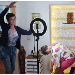 Videocoaching mit Anja Steinhoerster persönliches Coaching Lockerungsübung